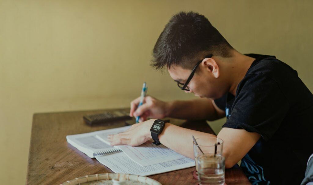 the-common-challenges-working-students-face-and-how-to-beat-them