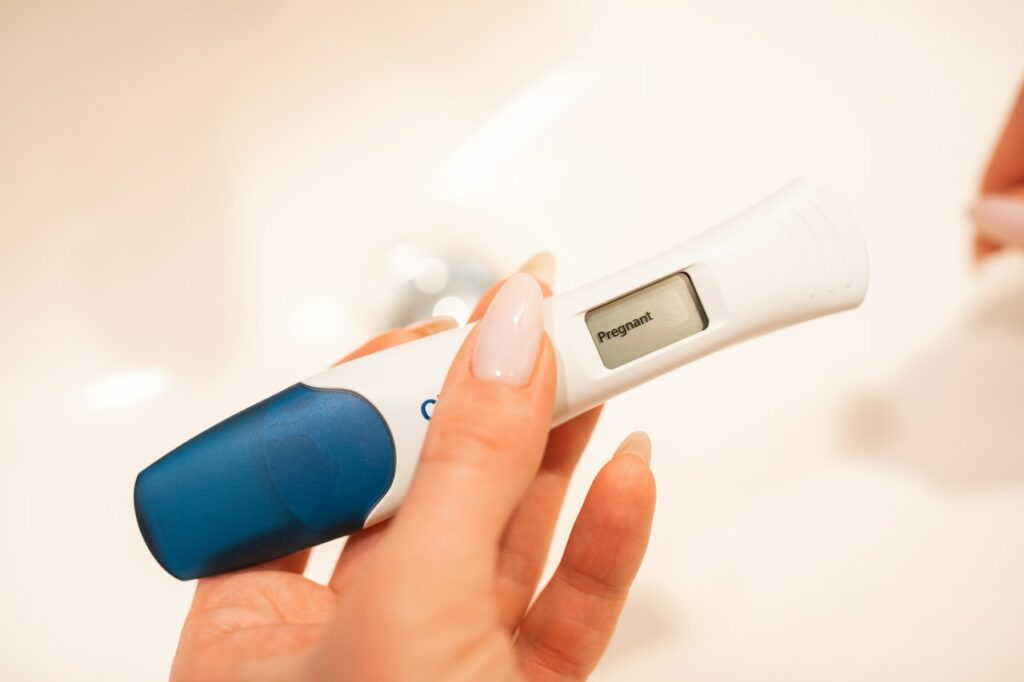 how-to-detect-pregnancy-using-an-ovulation-kit